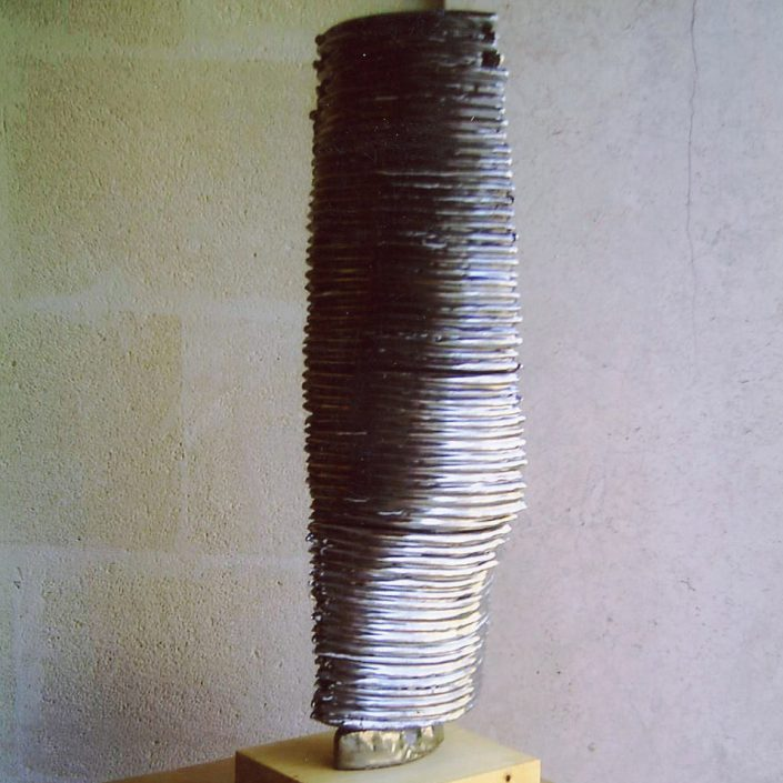 "Sculture in maiolica e platino ""Torre in torsione"" ,2003"