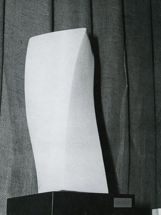 Scultura ceramica sabbiata in torsione (grande) anni 80