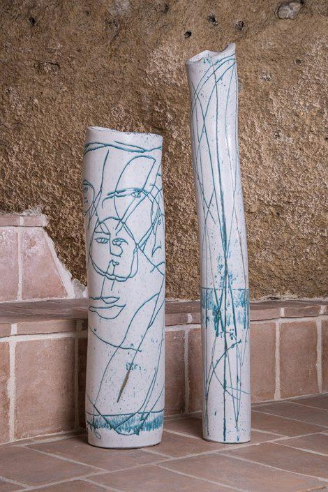 Sculture alta cilindriche,in maiolica, stile Metiterraneo, h 1 mt circa (Disponibili altri pezzi in diverse forme e colorazioni)Pezzi unici e limitati