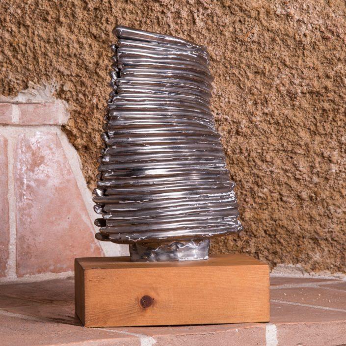 "Scultura in maiolica e platino ""Torre in torsione"" ,2003"