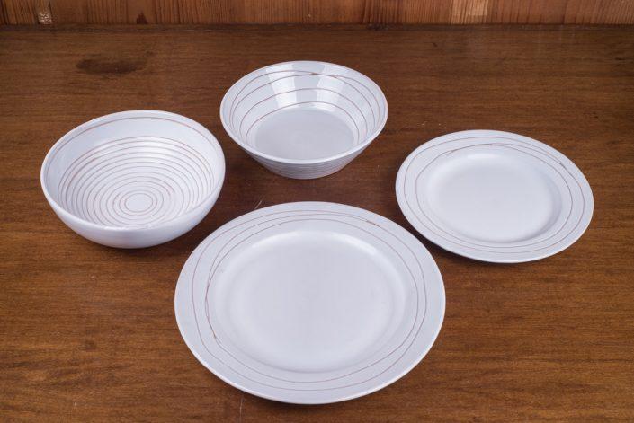 """Piatti da tavola stile """"Bianco lucido inciso"""", maiolica incisa a mano (Scodella, scodella svasata,piatto frutta,piatto piano. Disponibile anche il piatto fondo)"""
