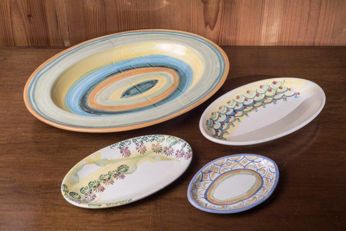 Ovali in ceramica dipinta a mano,disonibili in varie misure e decori