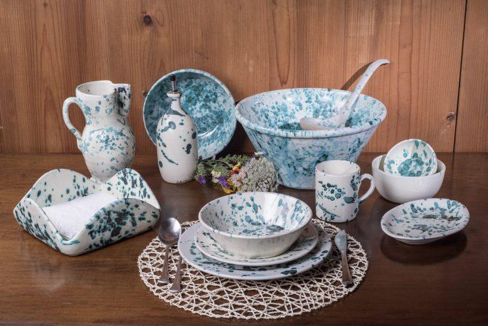 Servizio piatti e accessori tavola e cucina stile Smammriato maiolica decorata
