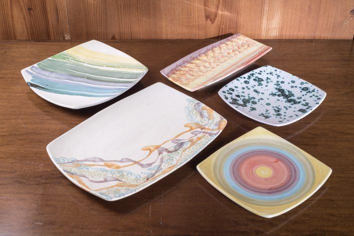 Vassoio rettangolari e quadrati in maiolica dipinta a mano,disponibili in varie misure e decori